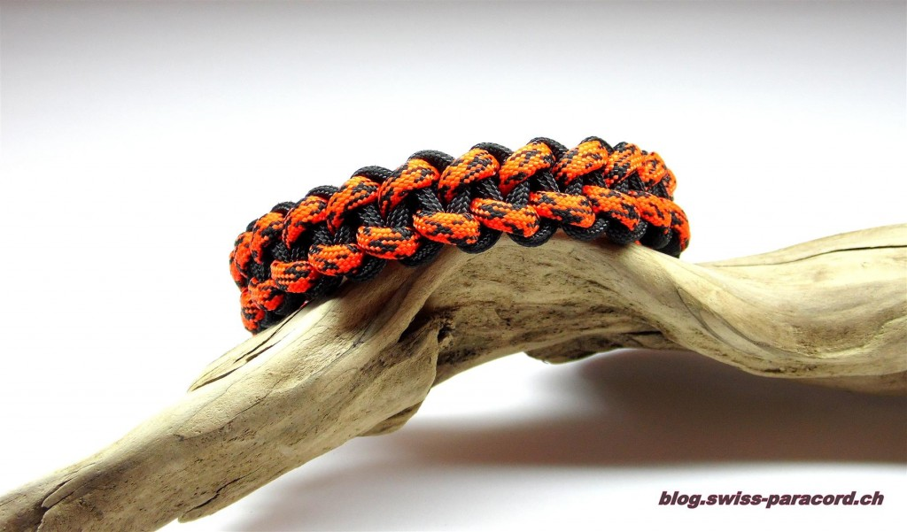 Stitched Solomon Bar (back side) Bracelet