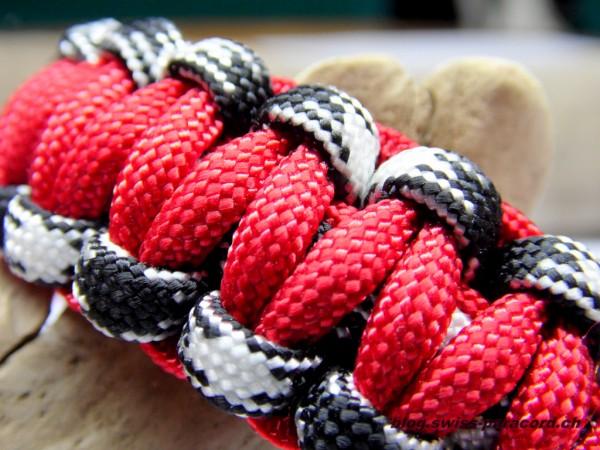 Kobra Armband panda camo / red