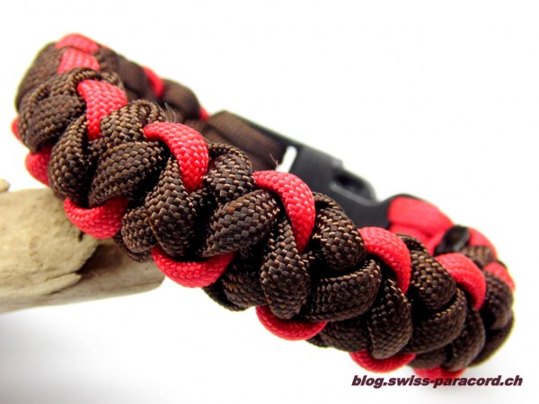 Armband in Imerial Red / Walnut