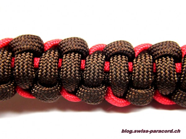 Armband in Imerial Red / Walnut Rückseite