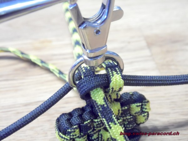 Paracord Cross Tutorial