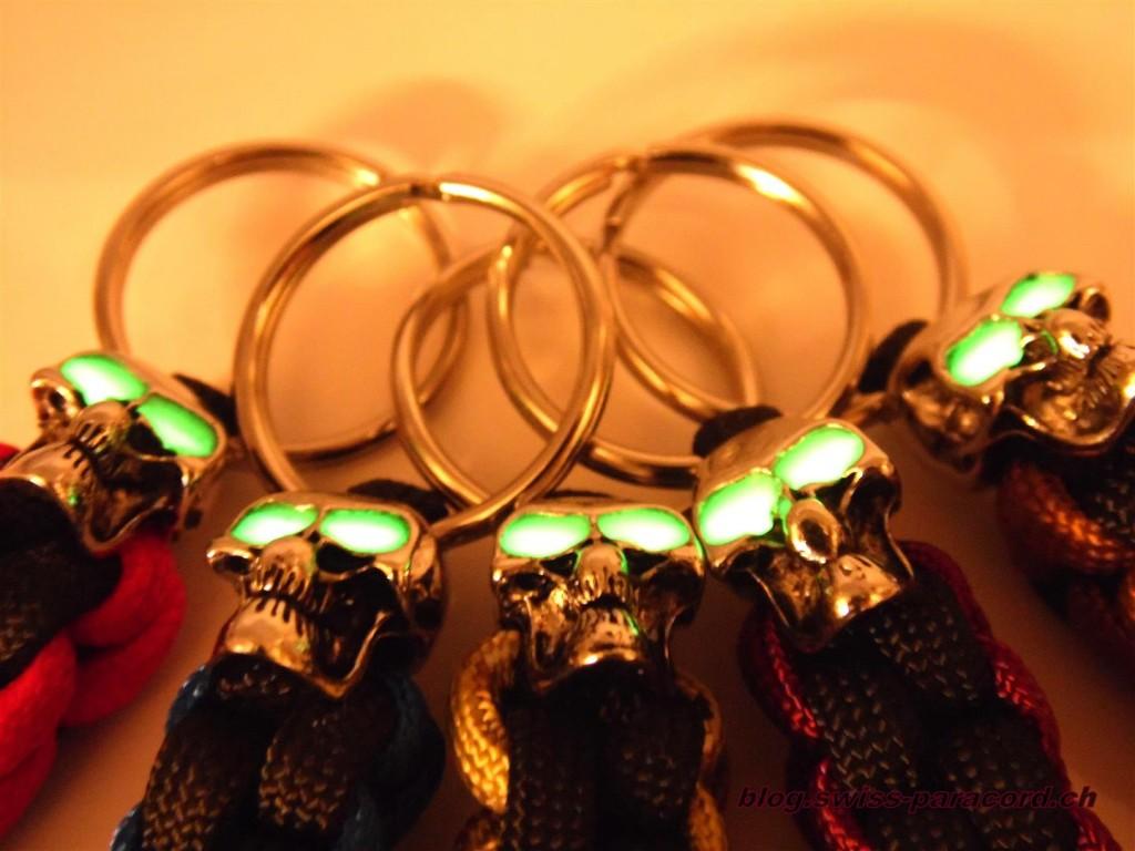Fat Lanyards mit glow in the dark Augen