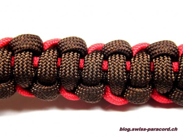 Armband in Imerial Red / Walnut Rückseite