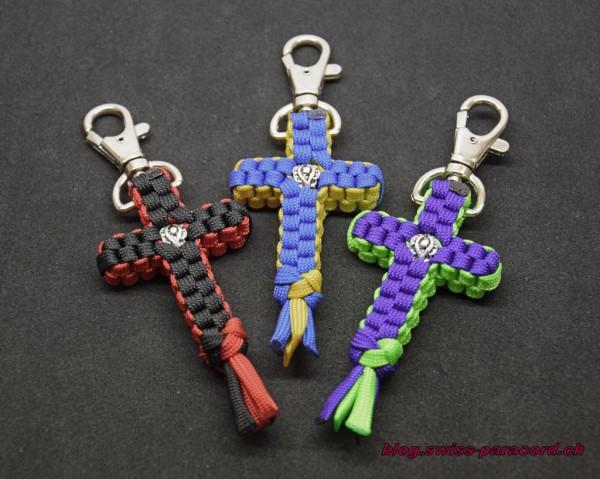 Paracord Kreuz Schlüsselanhänger